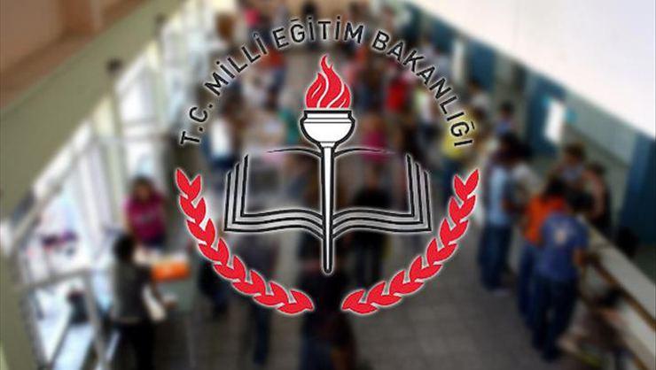 Milli Eğitim Bakanı Ziya Selçuk, pedagojik formasyon alacakları uyardı. Önümüzdeki yıl formasyonu baz almayacağız dedi.