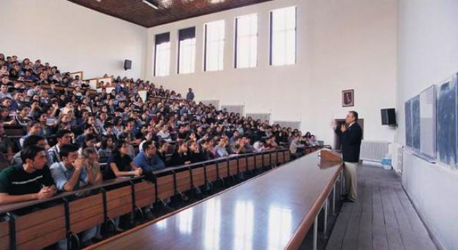 Üniversiteler hızlı davranmazsa yüzlerce kadro yanacak!