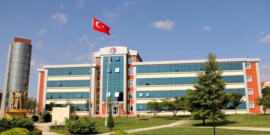 Çanakkale Onsekiz Mart Üniversitesi tüm enstitüler için Y.lisans ve Doktora İlanları yayımlandı.